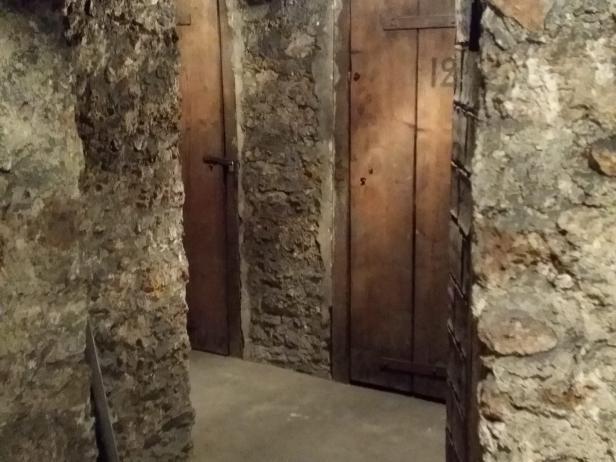 comment faire pour vider une cave à Paris ?